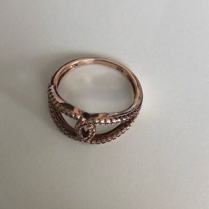 Ring in rose gold over sterling silver